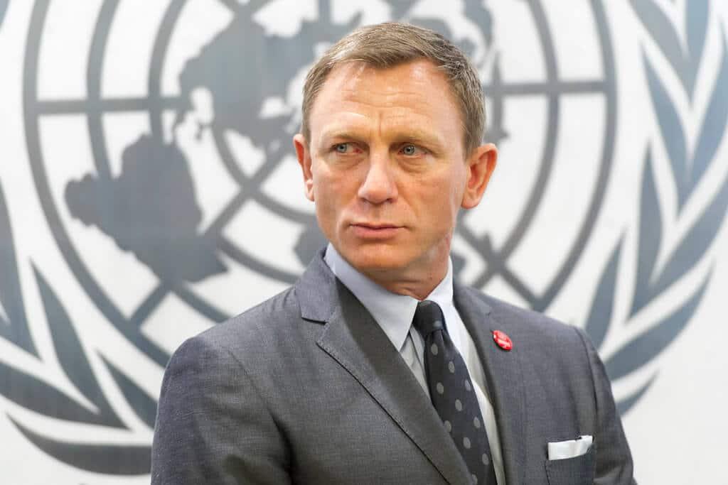 Grey suit - Daniel Craig